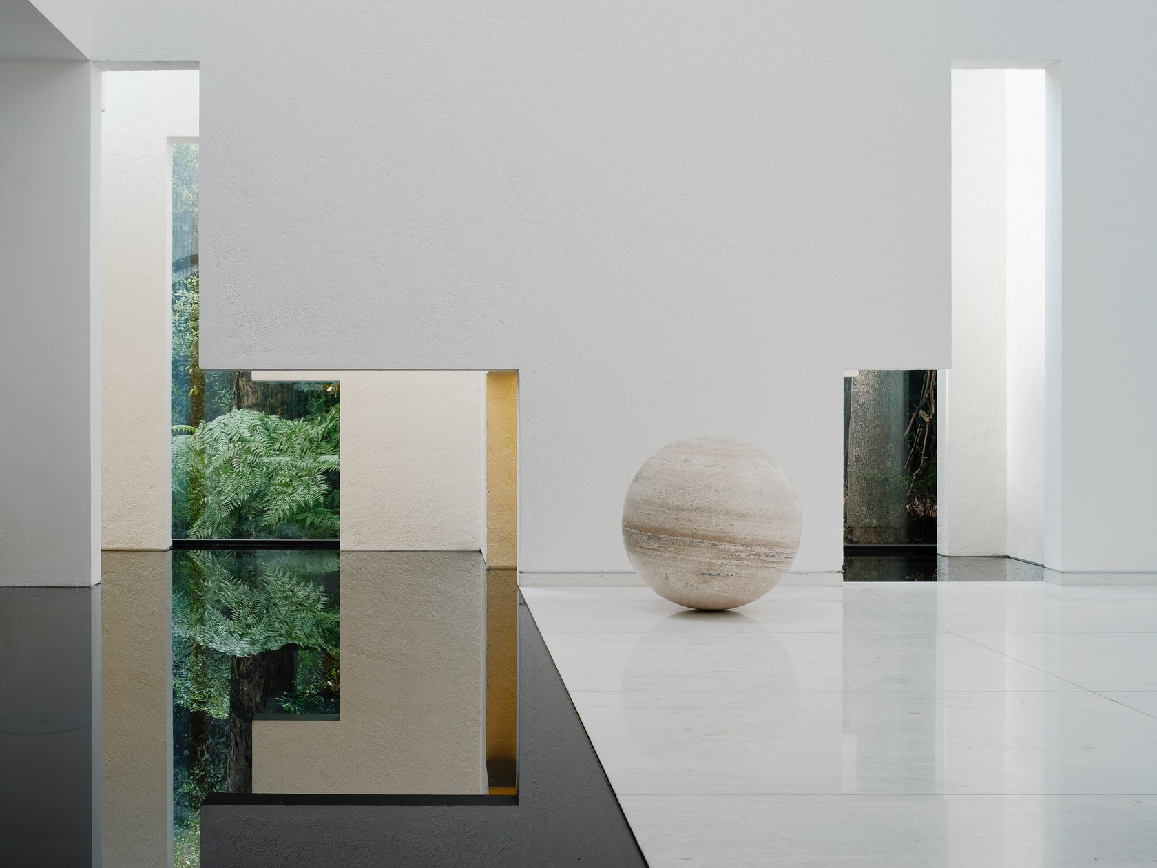 Rombo IV By Miguel Ángel Aragonés Is A Tribute To Minimalism