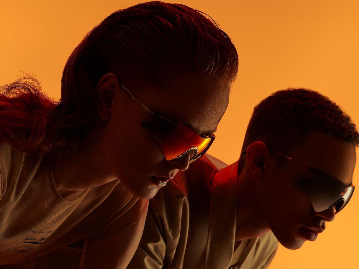 Ace-_-Tate-CMMN-SWDN-_-Campaign-image-–-LeMond-Flame-Red-LeBoss-Fog-Black-€148_£148.jpg