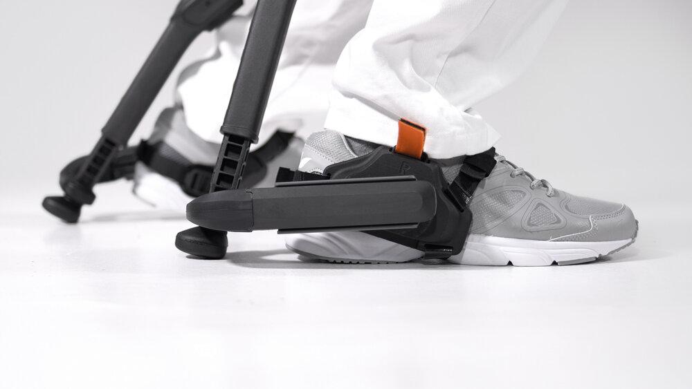 Marc-Sapetti---Chairless-Chair-Visual-Atelier-8-Technology-5.jpg