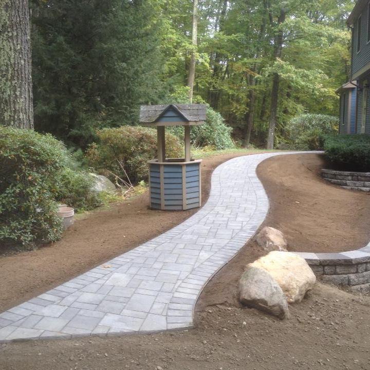 walkway 2.jpg