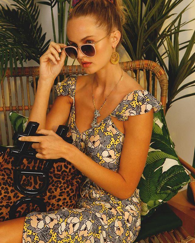 Tropical vibes for @marissanaples . . . #creativedirector @matthewkritis  #stylist @themarissagirl  #hairandmakeup @makeupbyshanig  #model @lura.normand . . . #marissacollections #fashion #naplesfashion #naples #florida #fashionphotographer #naplesphotographer #luxurylifestyle #veronicabeard #dolceandgabbana #lindafarrow #boazkashi #boazkashijewelry #paulcbuff #michaelowenphotography #michaelowenphoto