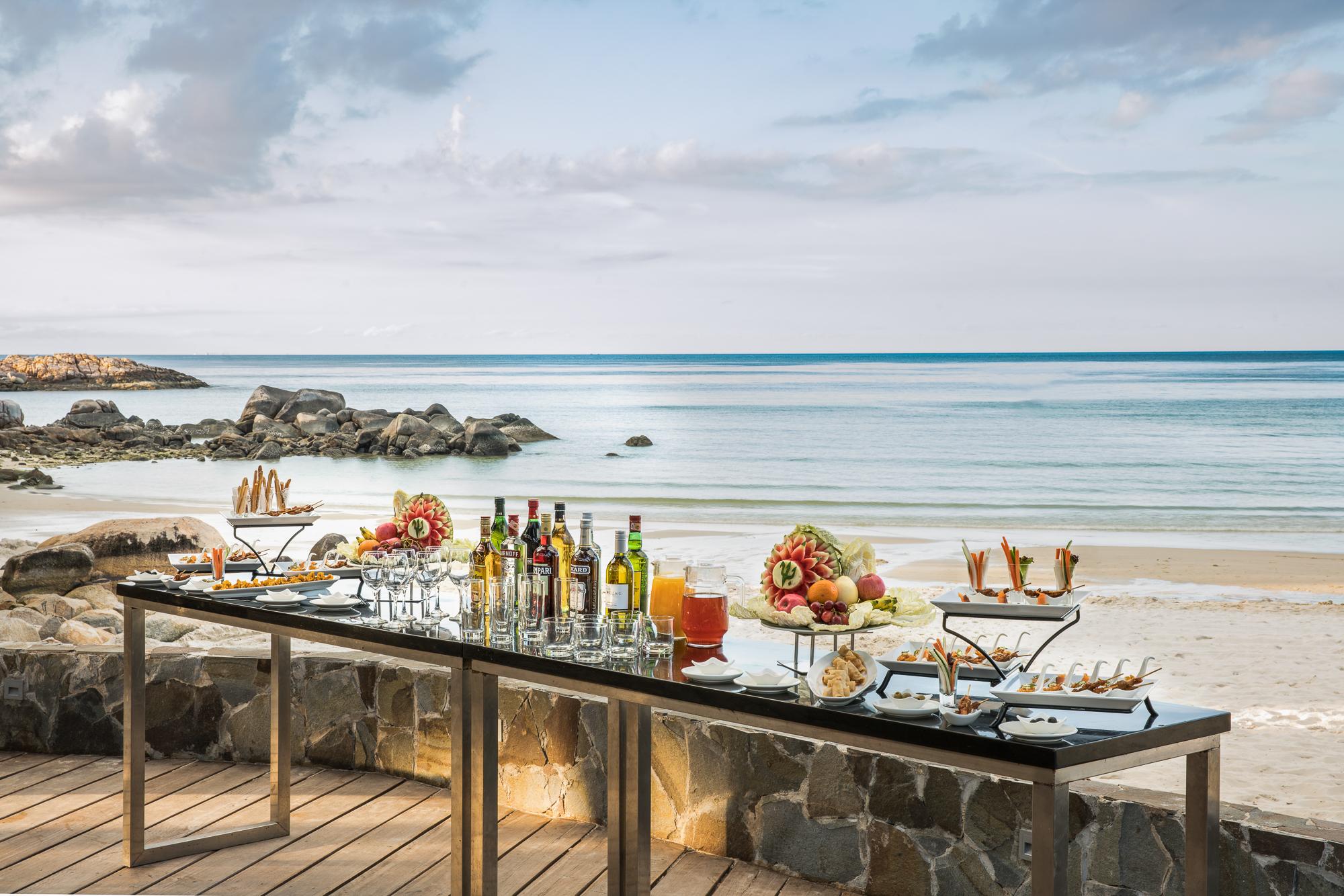 Beach Cocktail.jpg