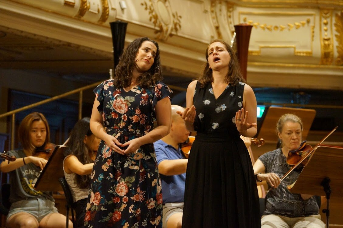 """Ann performing """"prenderò quell brunettino"""" from  Così fan tutte  with the AIMS' Festival Orchestra; 2019."""