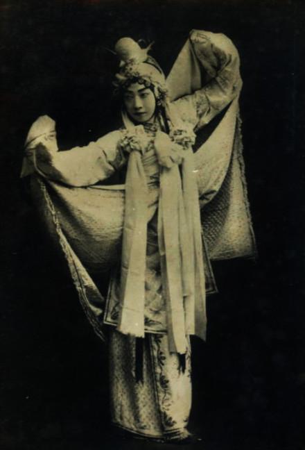 Mei Lanfang as bai suzhen.jpg
