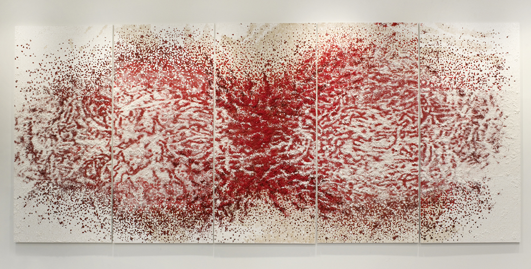 5 panels red & white #1  -  Acrylic paint, pigments, salt and gravel on wood - 190 x 435 cm - 74.8 x 171.3 in