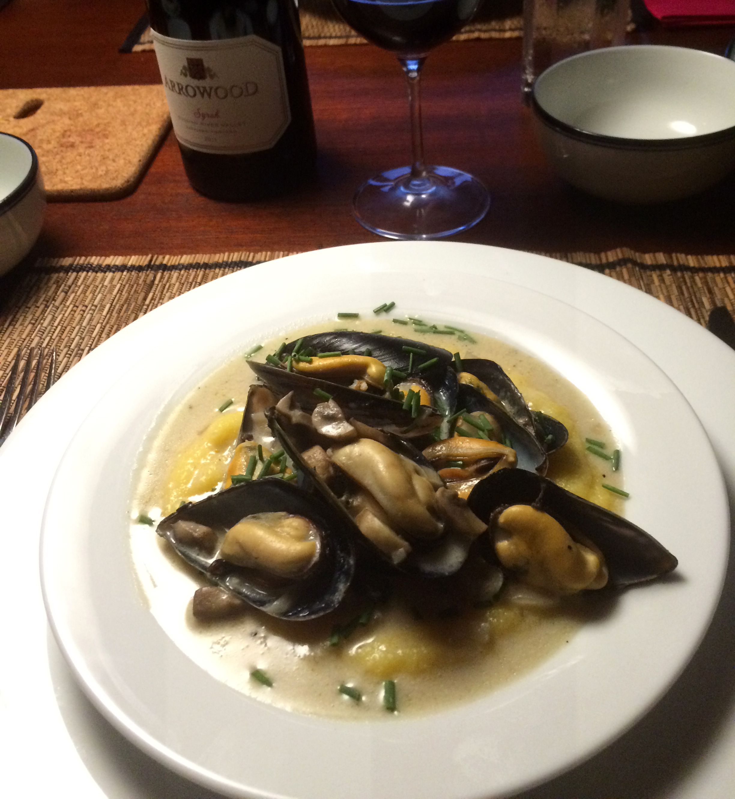 mussels with cream & chives on soft polenta