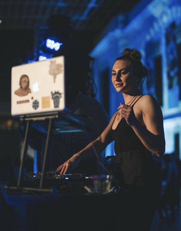 Nicole Timakov | DJ, NicNaccs + Event Coordinator at re:bar