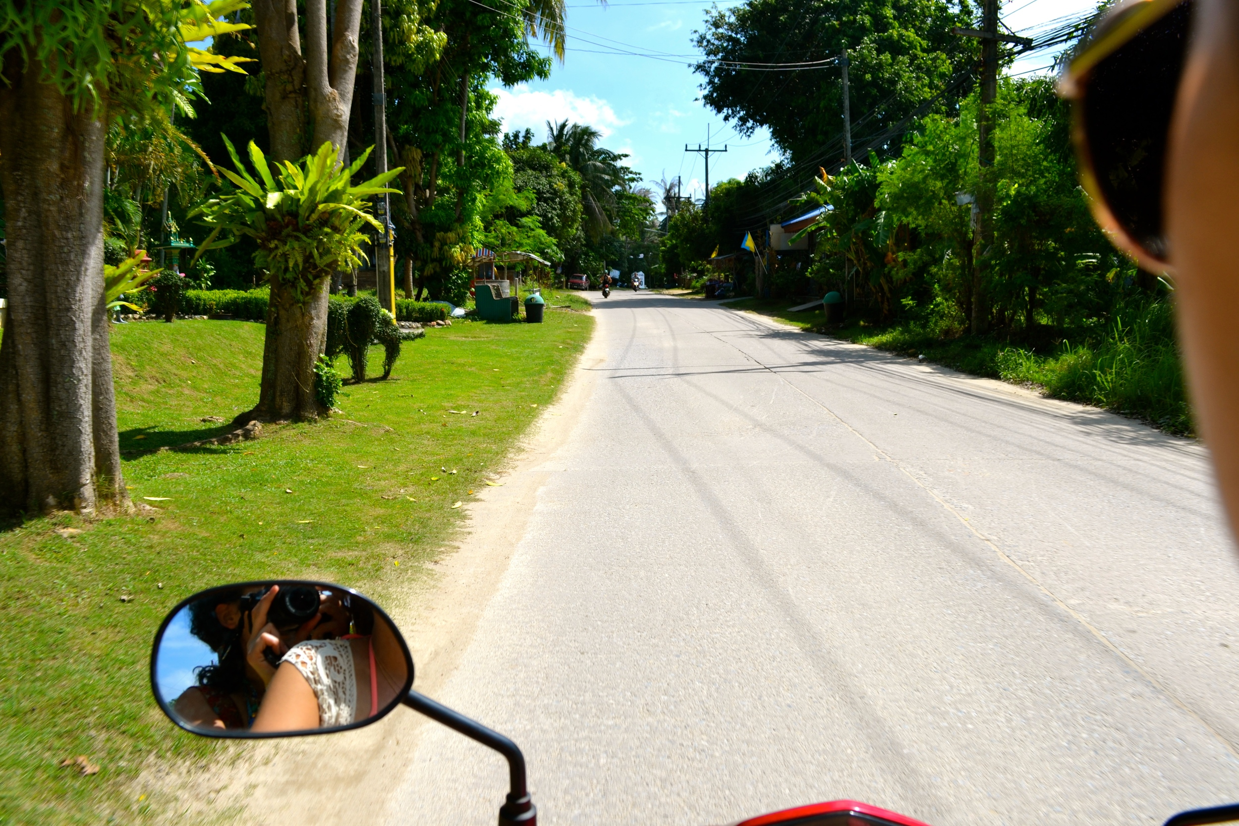 Riding (and photographing) through Koh Phangan island, Thailand