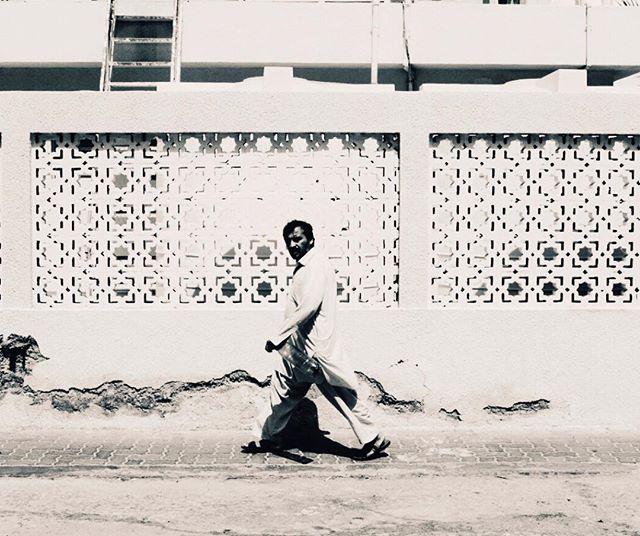 Streetwalker, Abu Dhabi pc: @itsbeeli