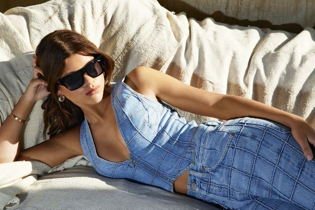 admit-it-you-want-to-steal-sofia-richies-affordable-new-sunglasses-2645266.640x0c.jpg