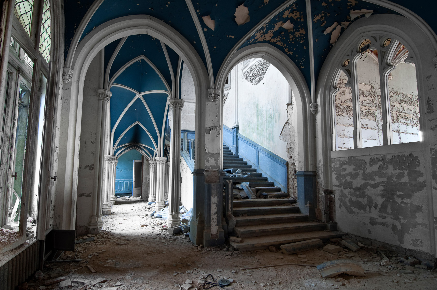 abandoned-places-in-europe-alicia-rius-photography-85.jpg