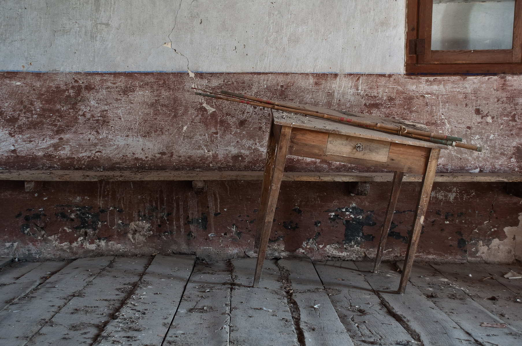 abandoned-places-in-europe-alicia-rius-photography-95.jpg