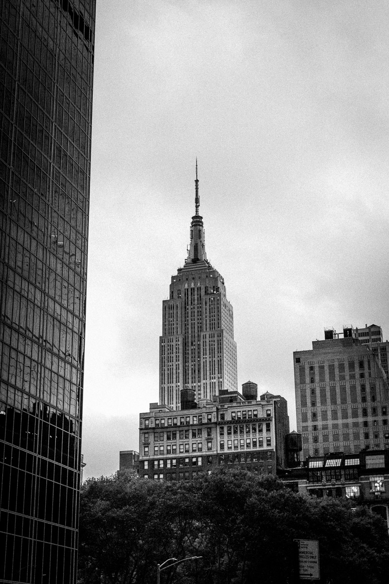 black-and-white-photos-of-empire-state-building.jpg