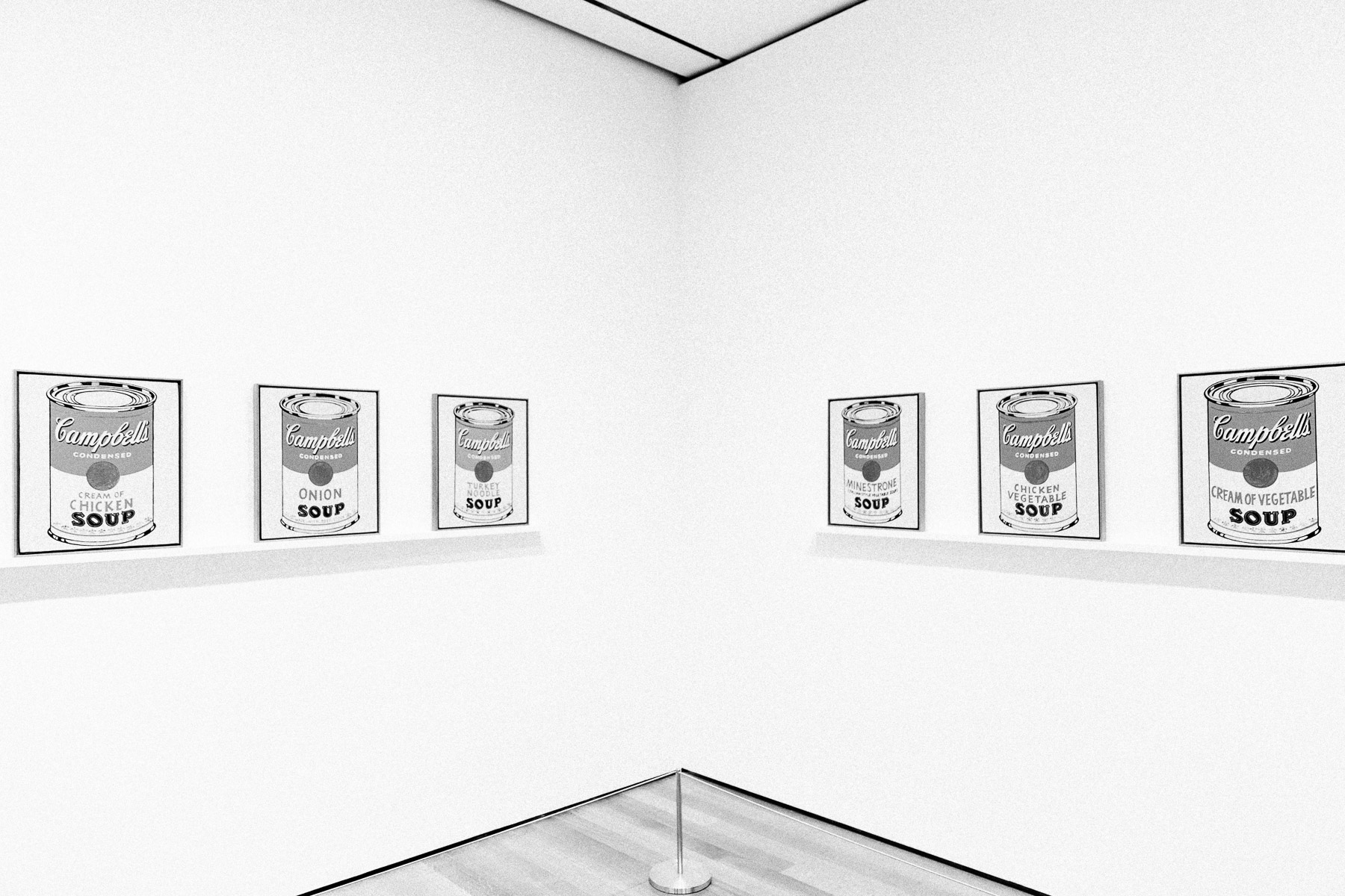 minimal-photography-andy-warhol-cambell-cans-moma-museum.jpg