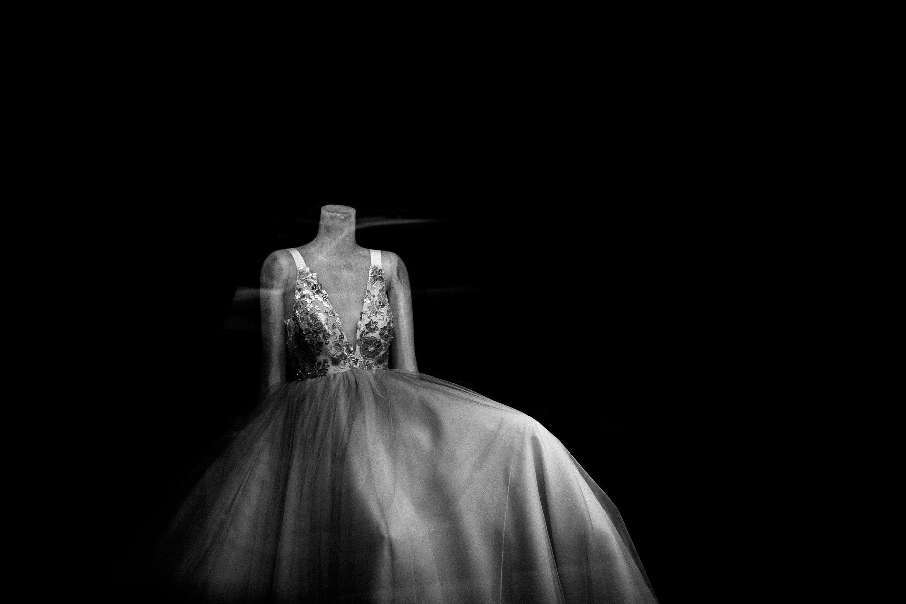 vera-wang-wedding-dress-fashion-week-ny-2015.jpg