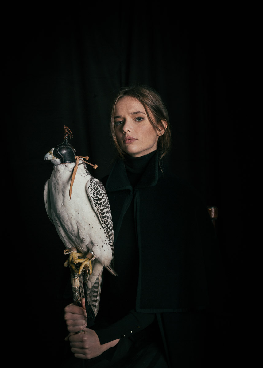 woman-with-white-falcon-pet-photographer.jpg