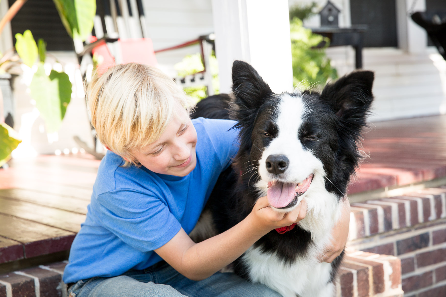 yong-kid-with-dog-love-bond.jpg
