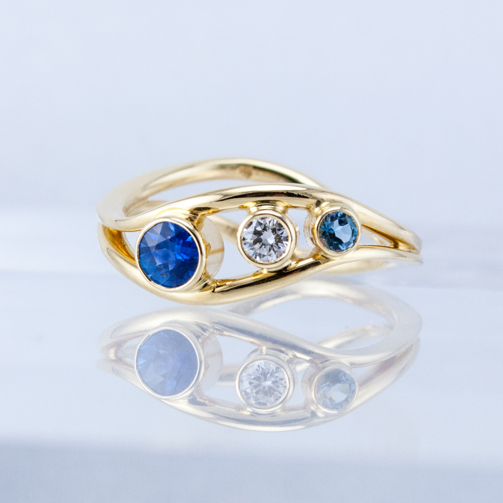 Mother's Duality Ring with Sapphire, Diamond and Aquamarine