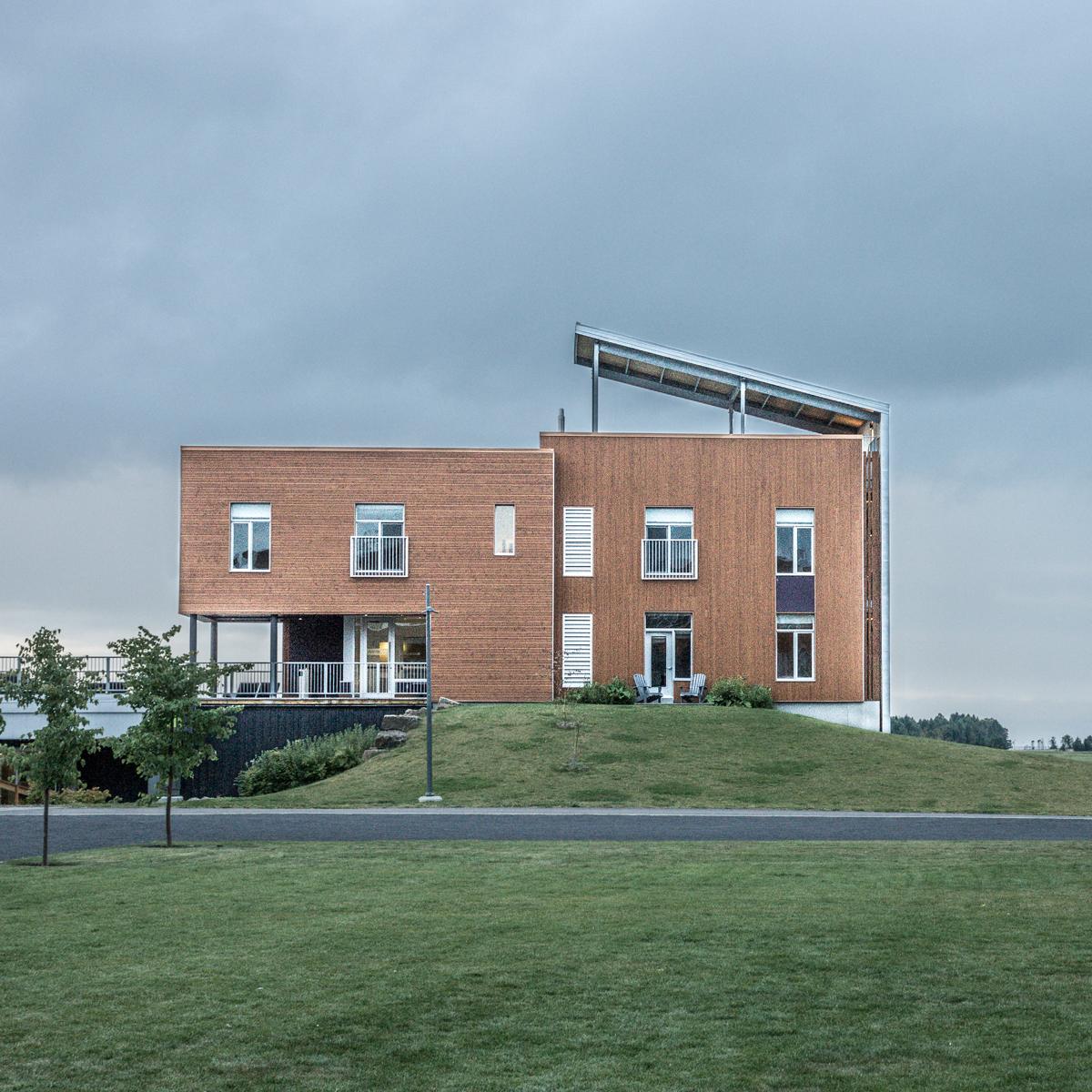 Hôtel La Ferme, Baie-St-Paul / LEMAYMICHAUD + Coarchitecture + STGM Architectes