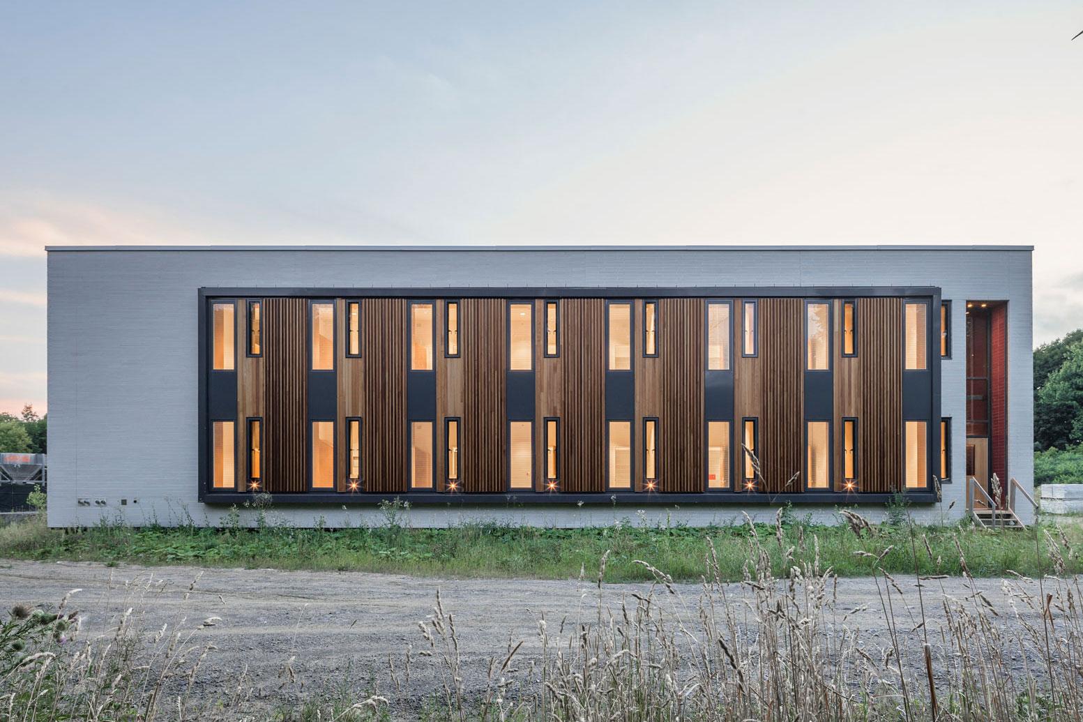<<<<< BACK  Centre de la jeunesse et la famille Batshaw -  STOA architecture  Documentation chantier - aout 2016 © Raphaël Thibodeau