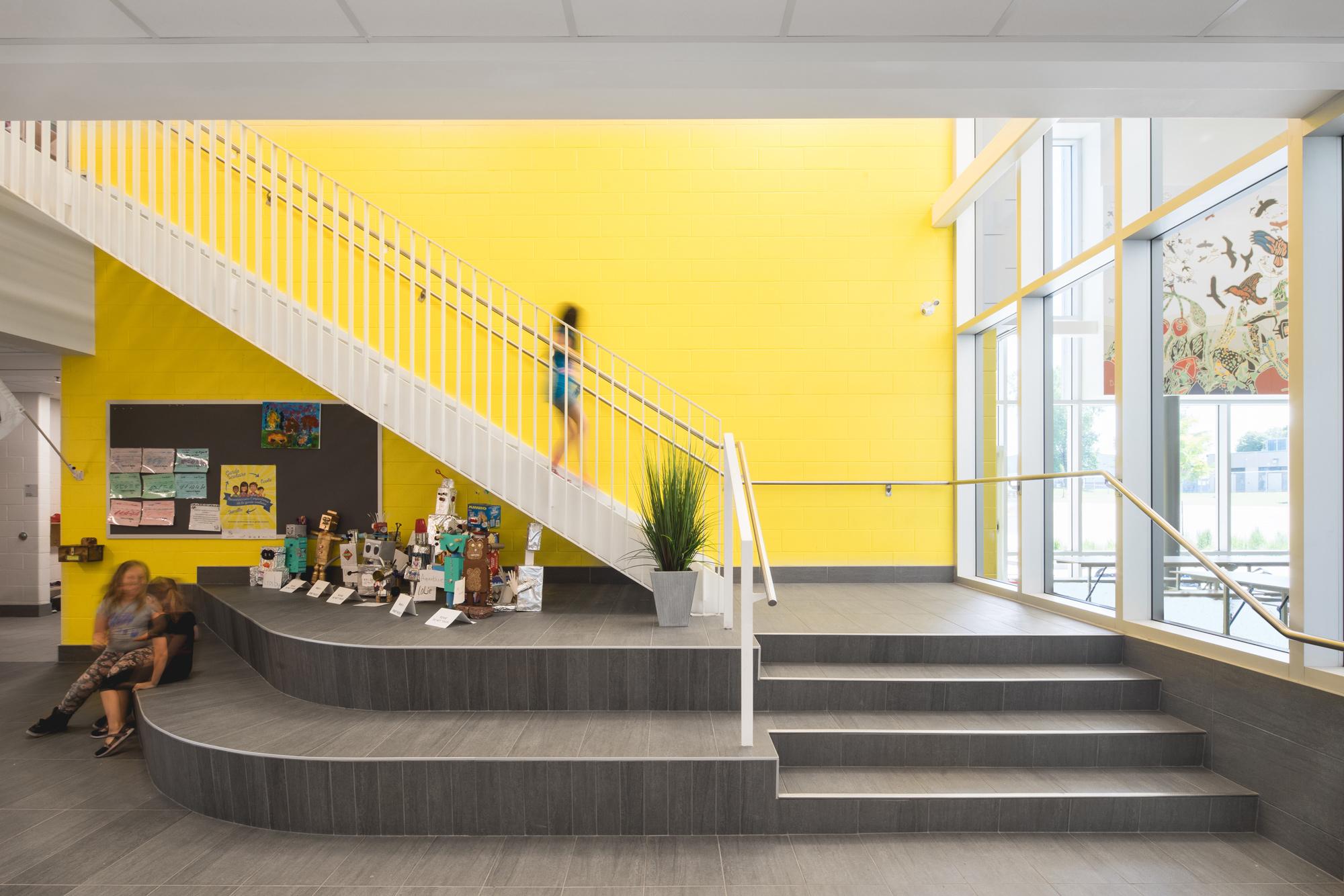 <<<<< BACK  École Jardins-des-Patriotes  BBBL Architecture  © Raphaël Thibodeau
