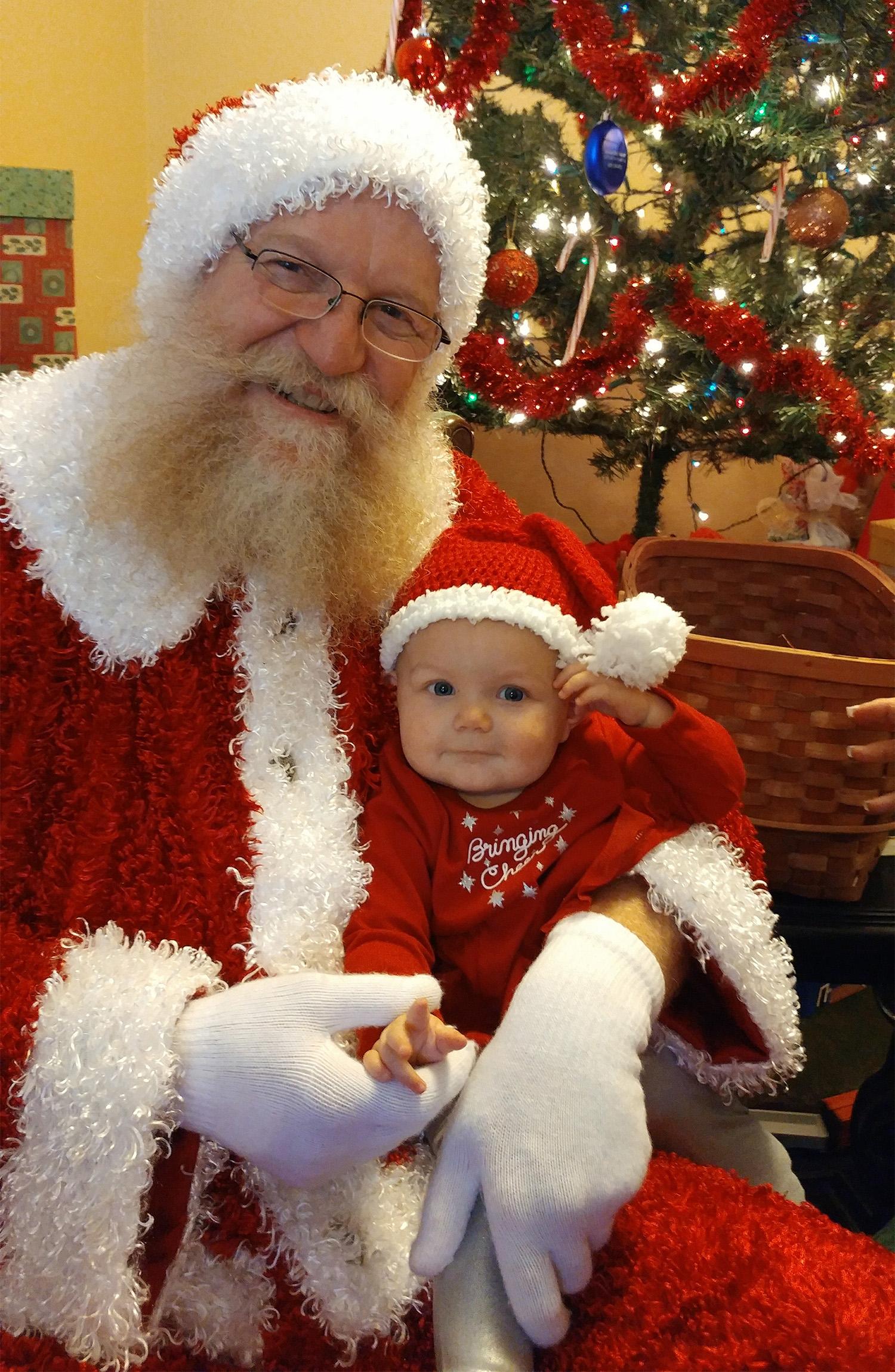 Santa and baby 1500 .jpg