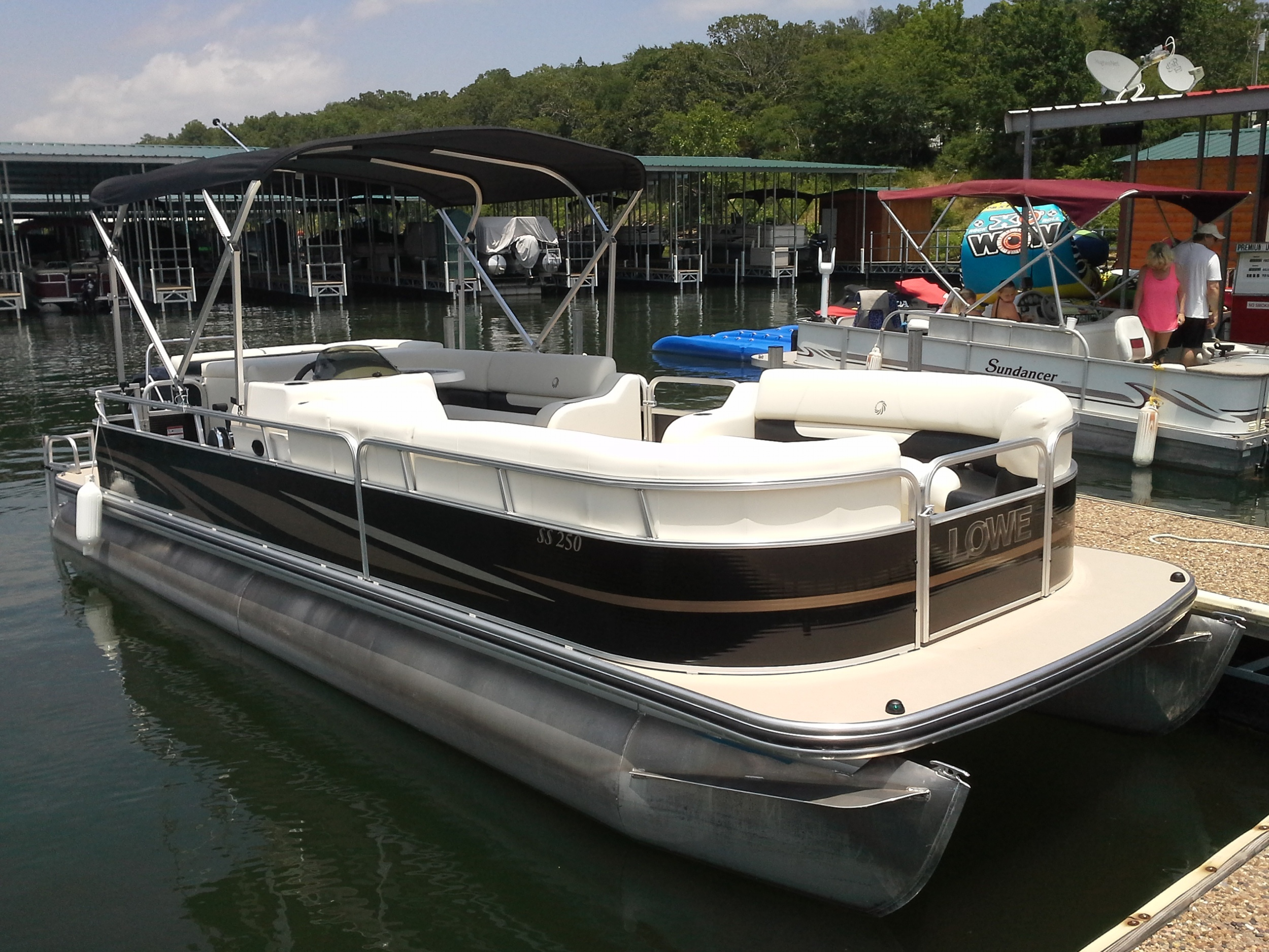 Pontoon Rental