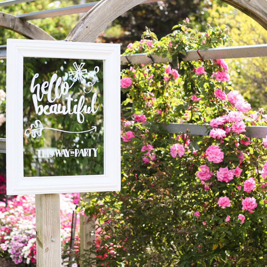 welcome-to-our-wedding-mirror-wedding-signage-chalkboard-hand-lettered