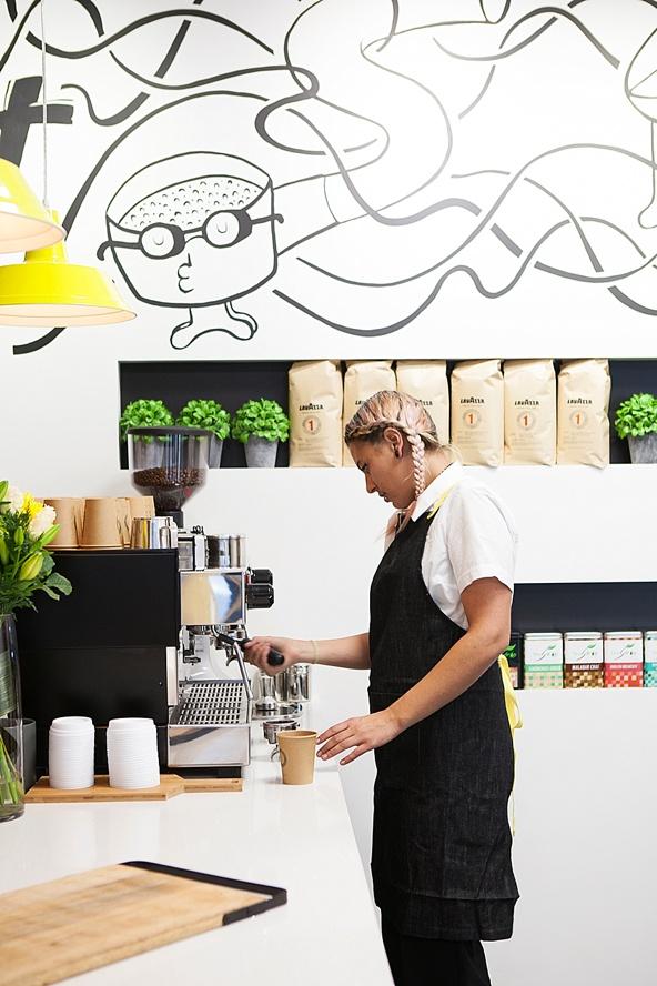 bendigo-mural-artist-mug-shot-cafe
