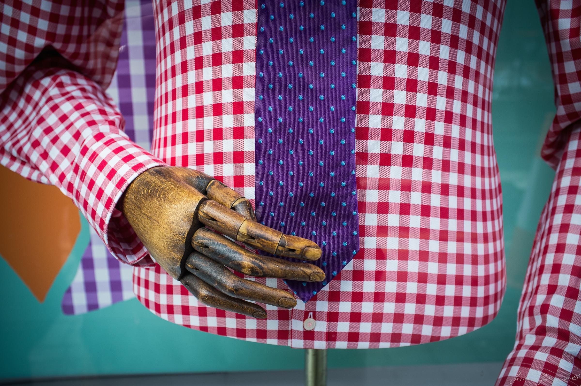 mannequin-fixes-tie