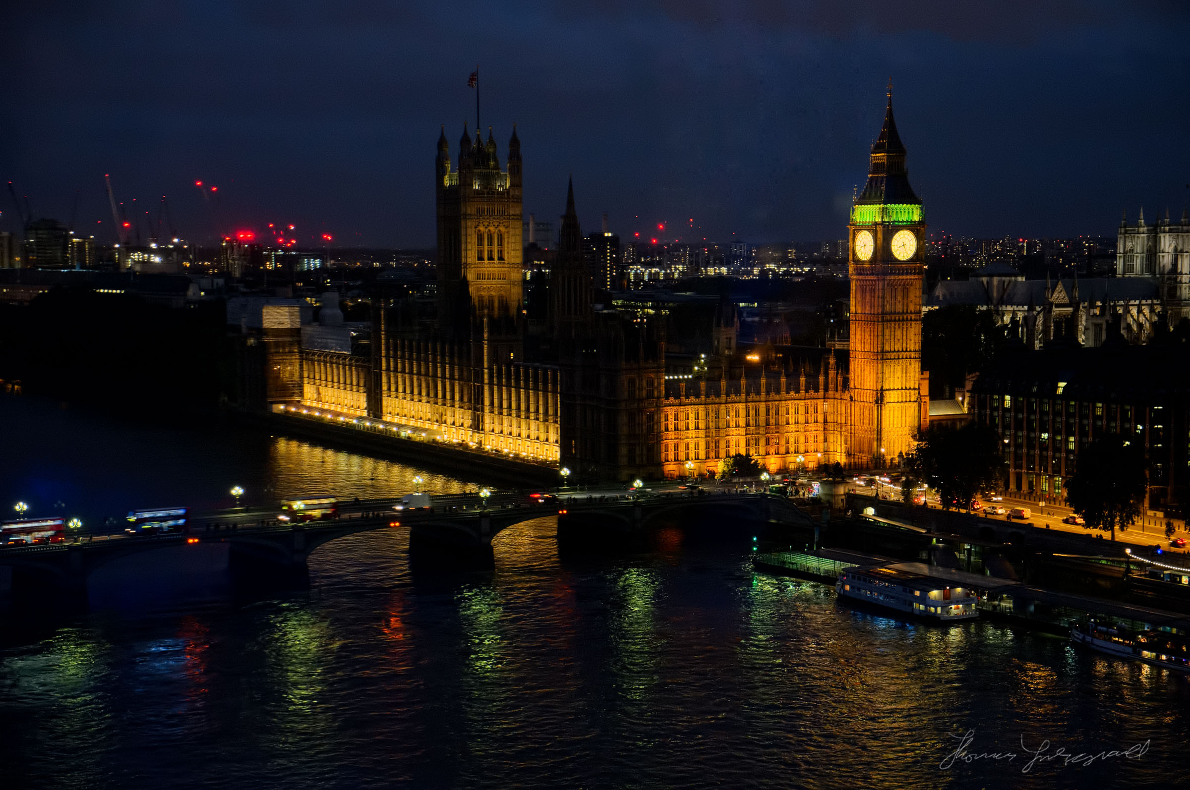 Big ben and Parliment at Dusk