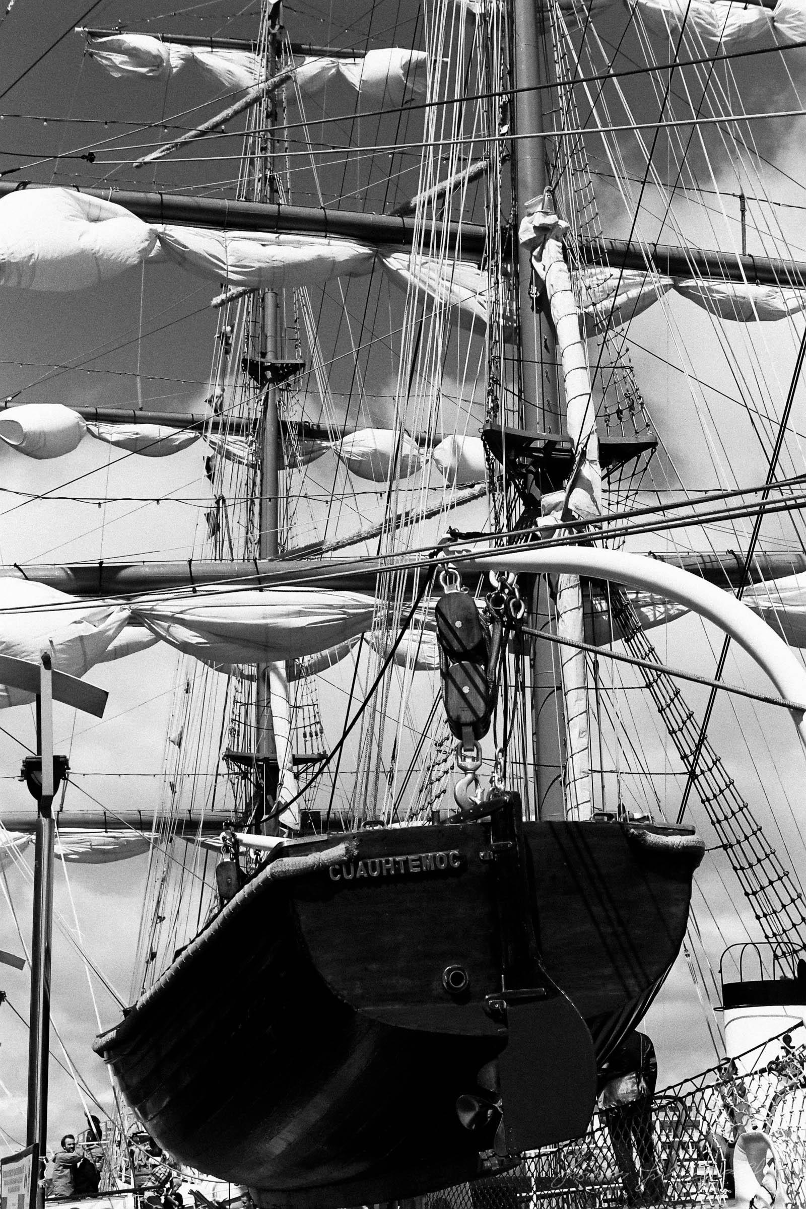 Black-and-white-film-scands-Dublin-05.jpg