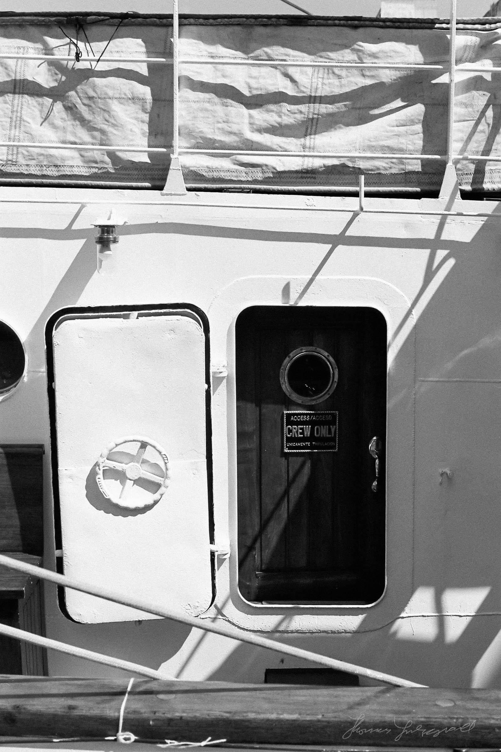 Black-and-white-film-scands-Dublin-06.jpg
