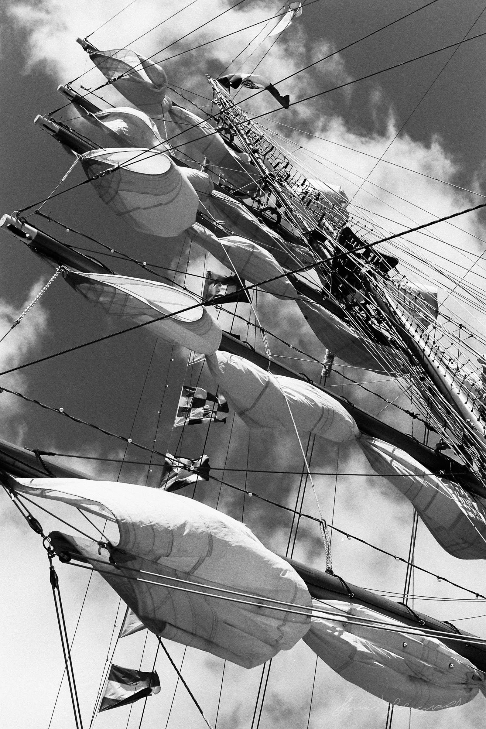 Black-and-white-film-scands-Dublin-07.jpg