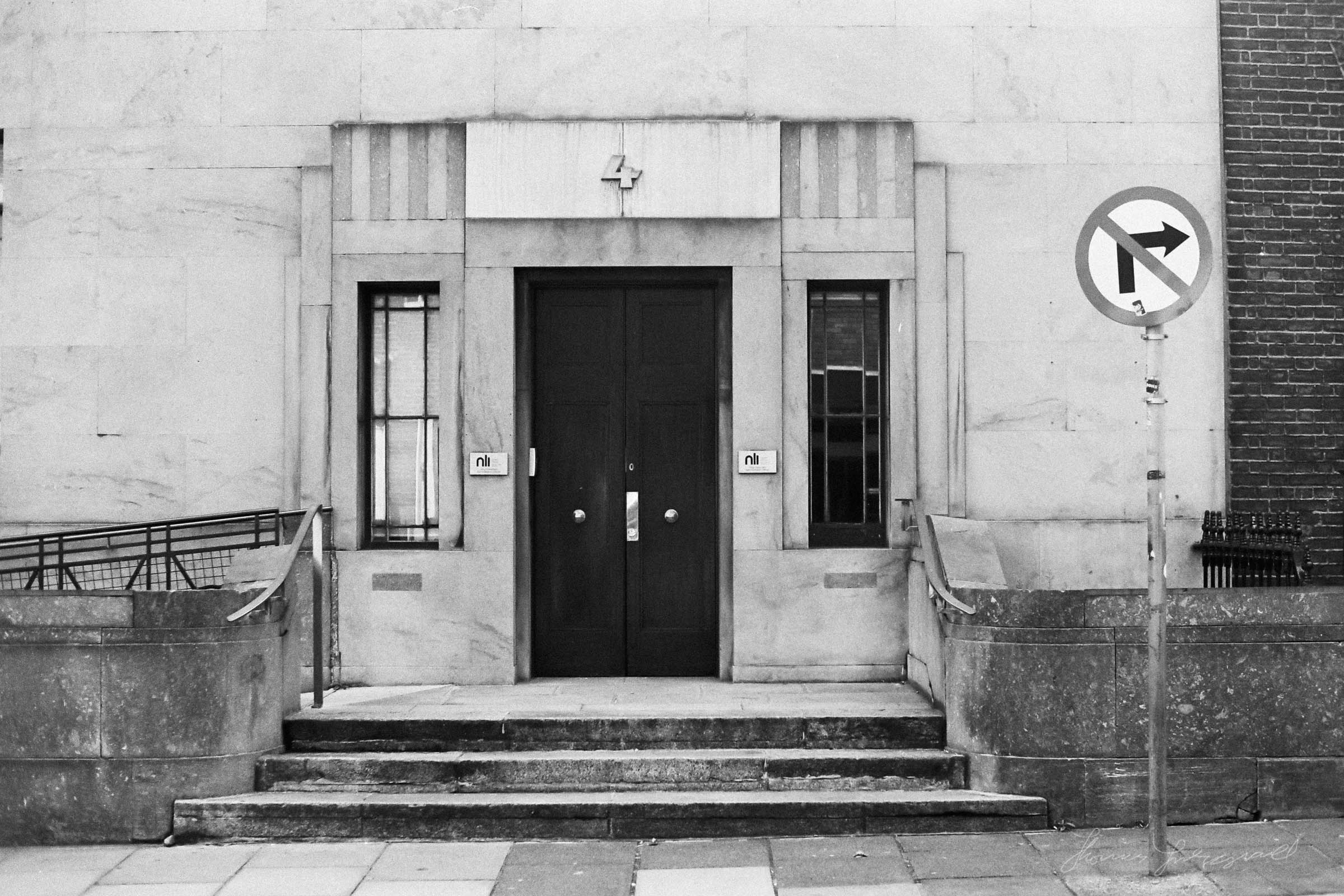 Black-and-white-film-scands-Dublin-34.jpg