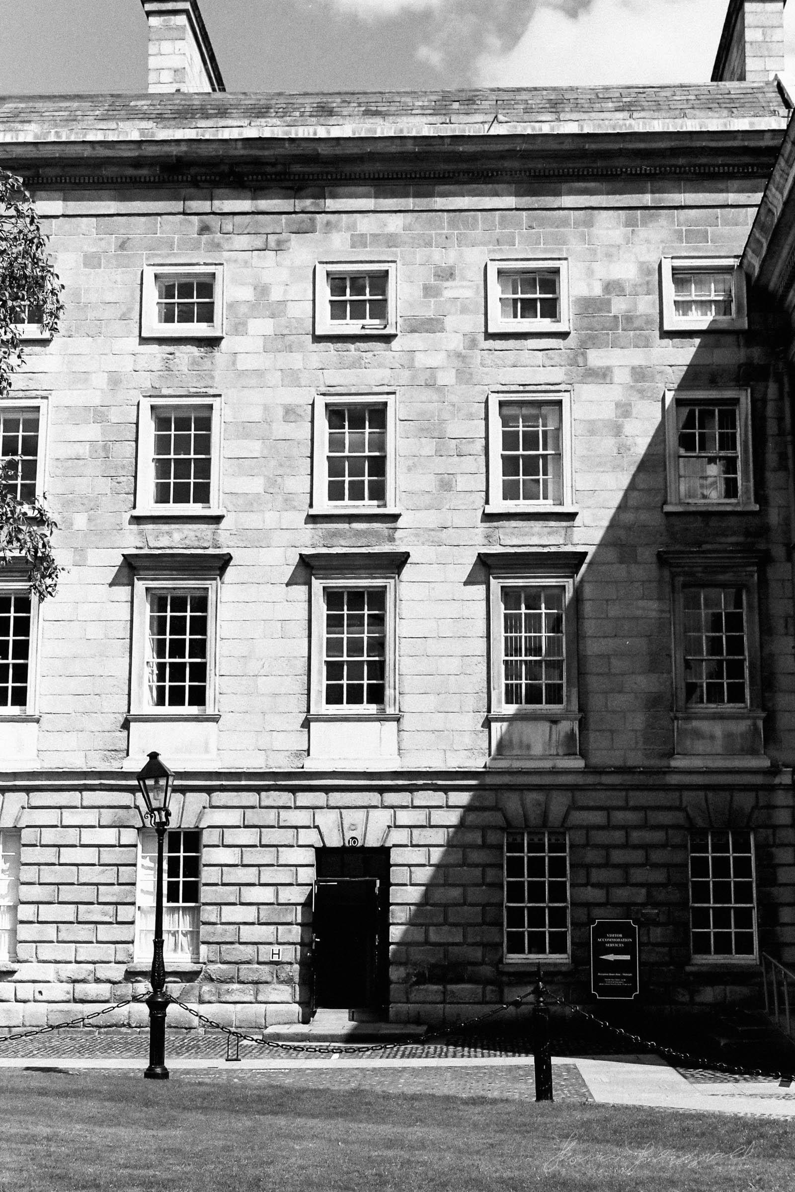 Black-and-white-film-scands-Dublin-46.jpg