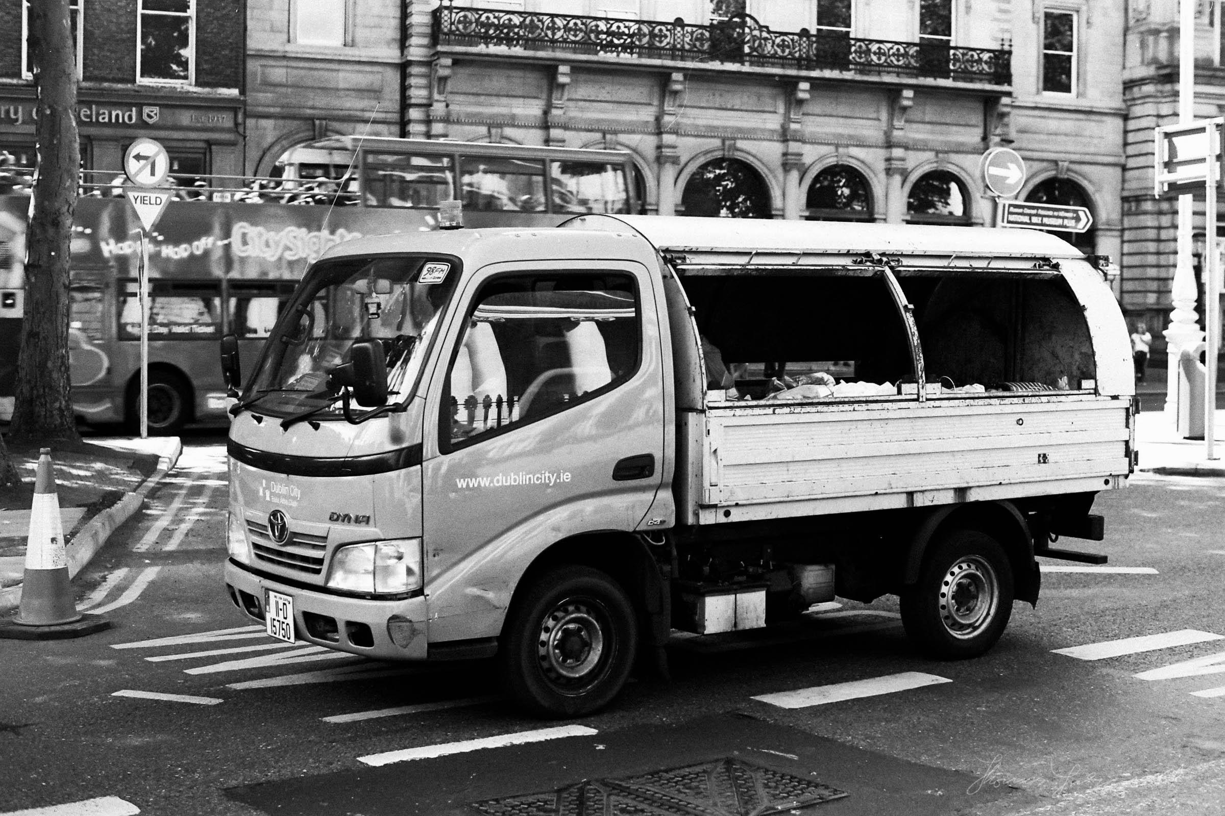 Black-and-white-film-scands-Dublin-51.jpg