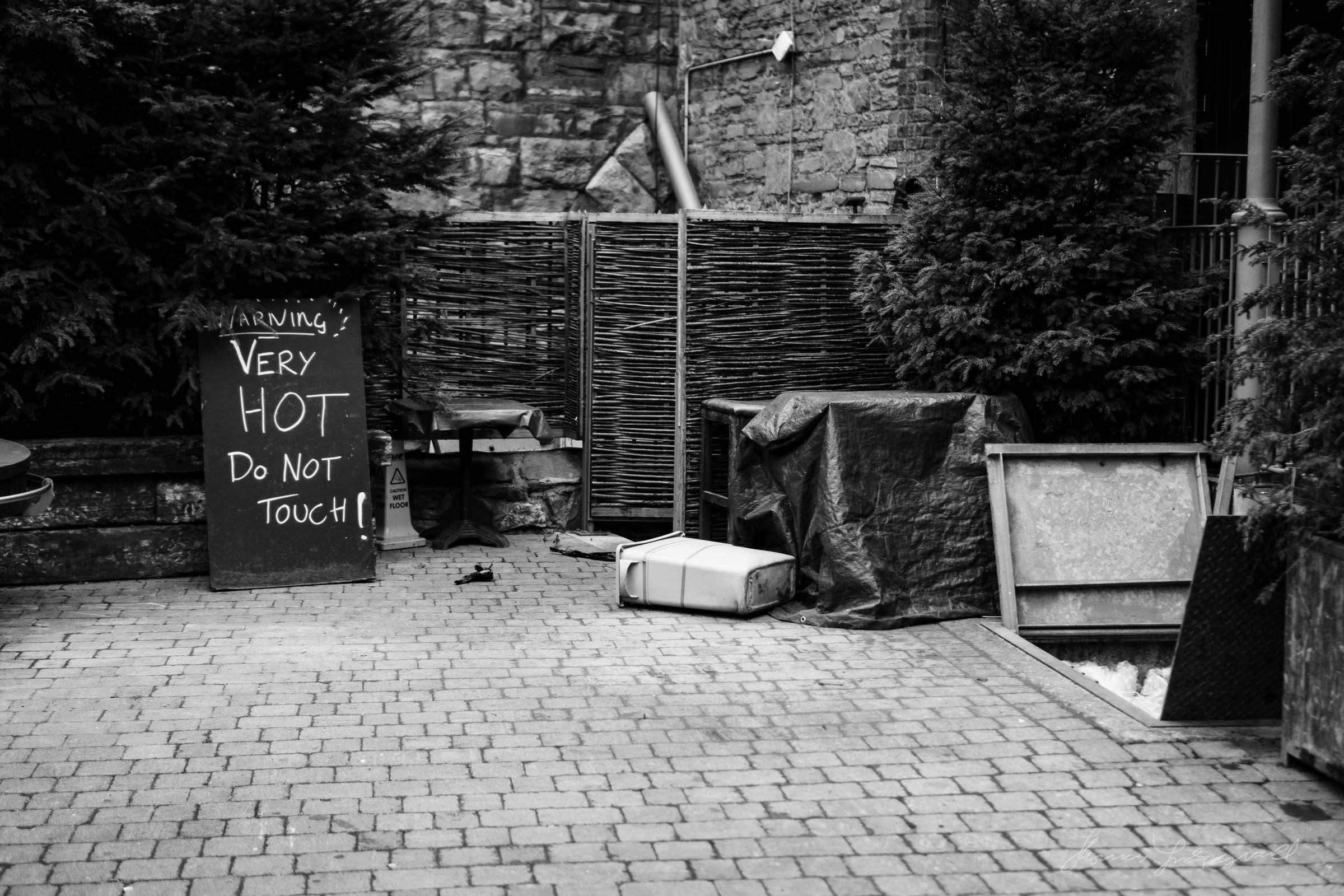 Street-Photo-Diary-No-6-BW-Dublin-01.jpg