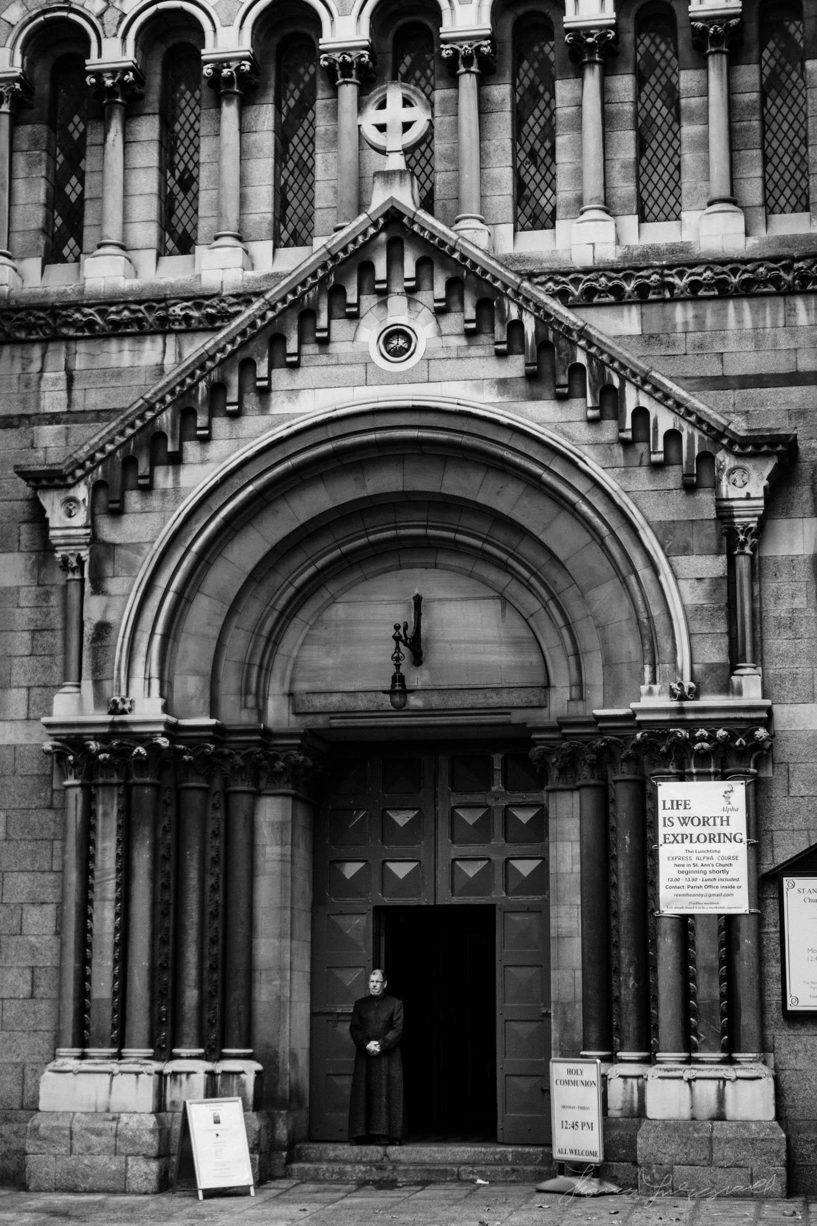 Street-Photo-Diary-No-6-BW-Dublin-15.jpg