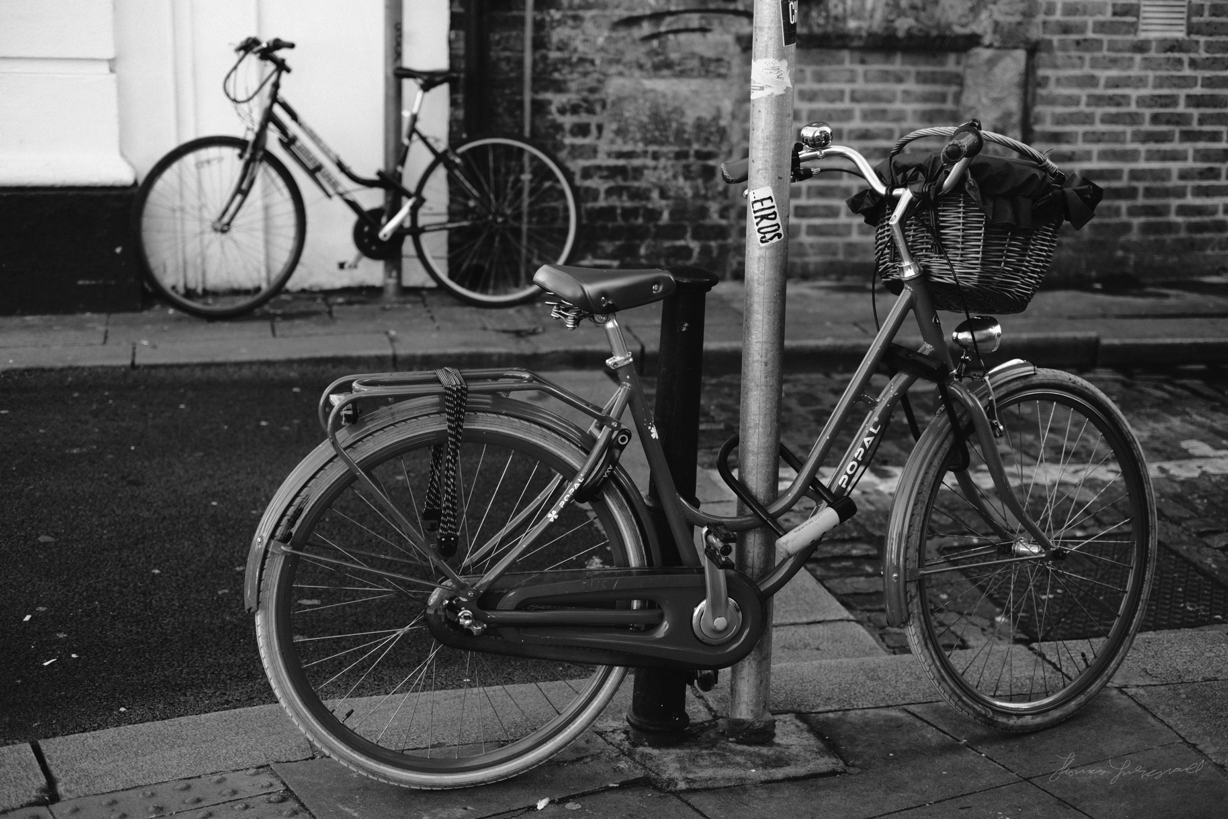 Street-Photography-Dublin-X-Pro2-Acros-023.jpg