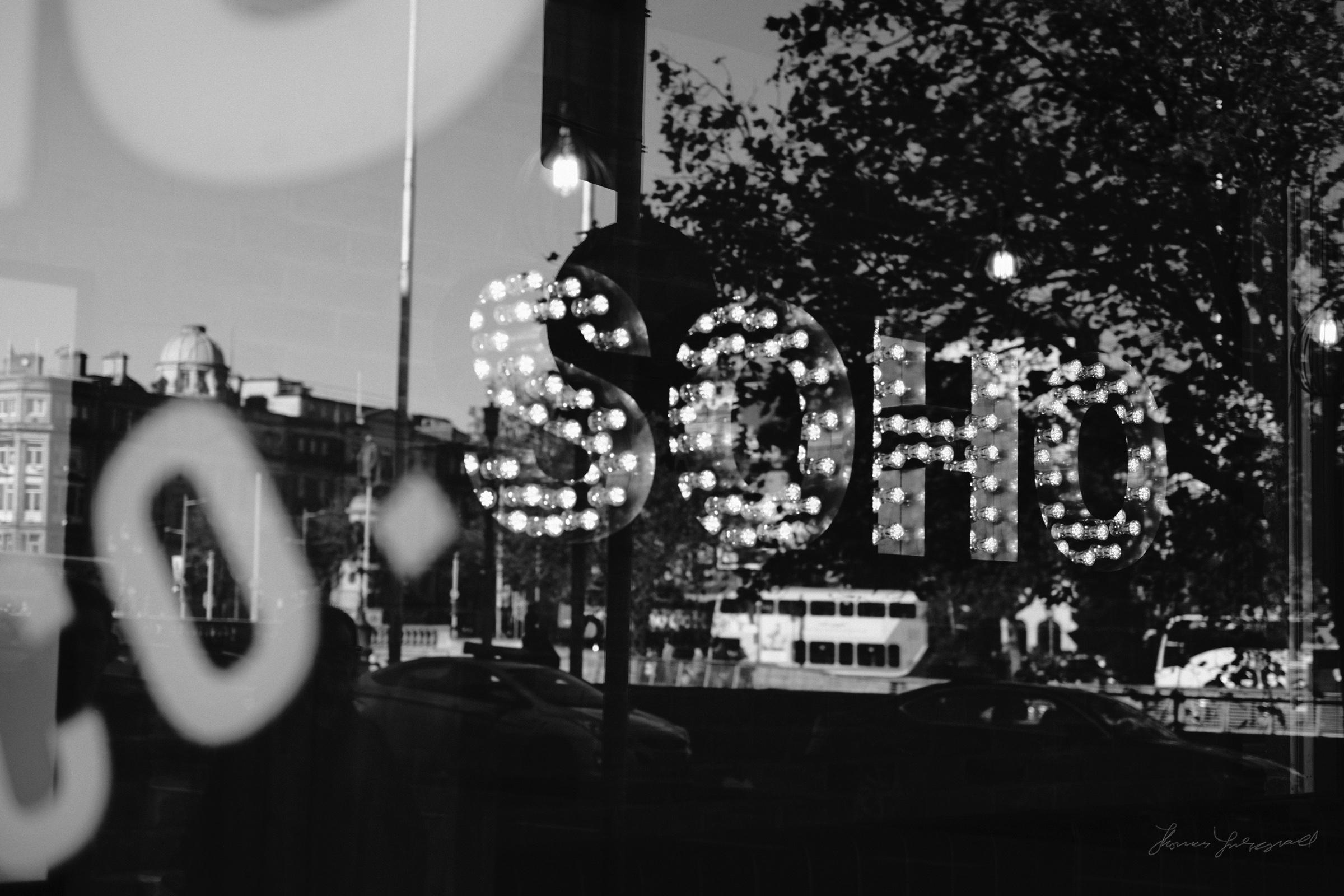 Street-Photography-Dublin-X-Pro2-Acros-063.jpg