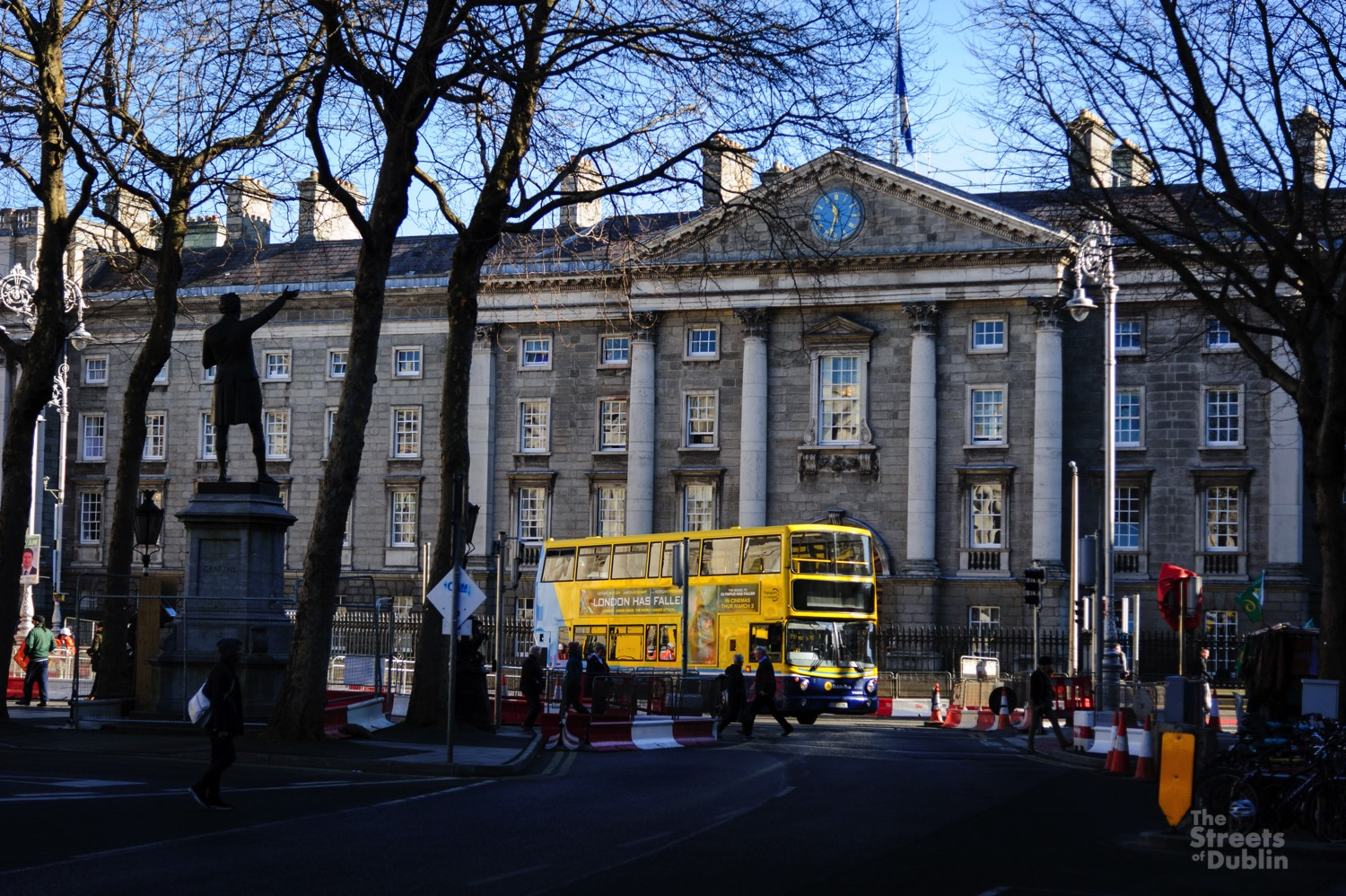 Bus infront of Trinity College
