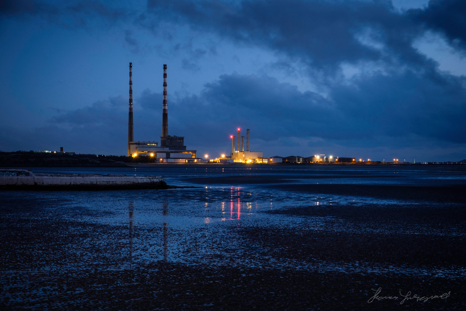 Poolbeg Powerstation before DawnTwo years with Fuji X-Pro2 - Lan
