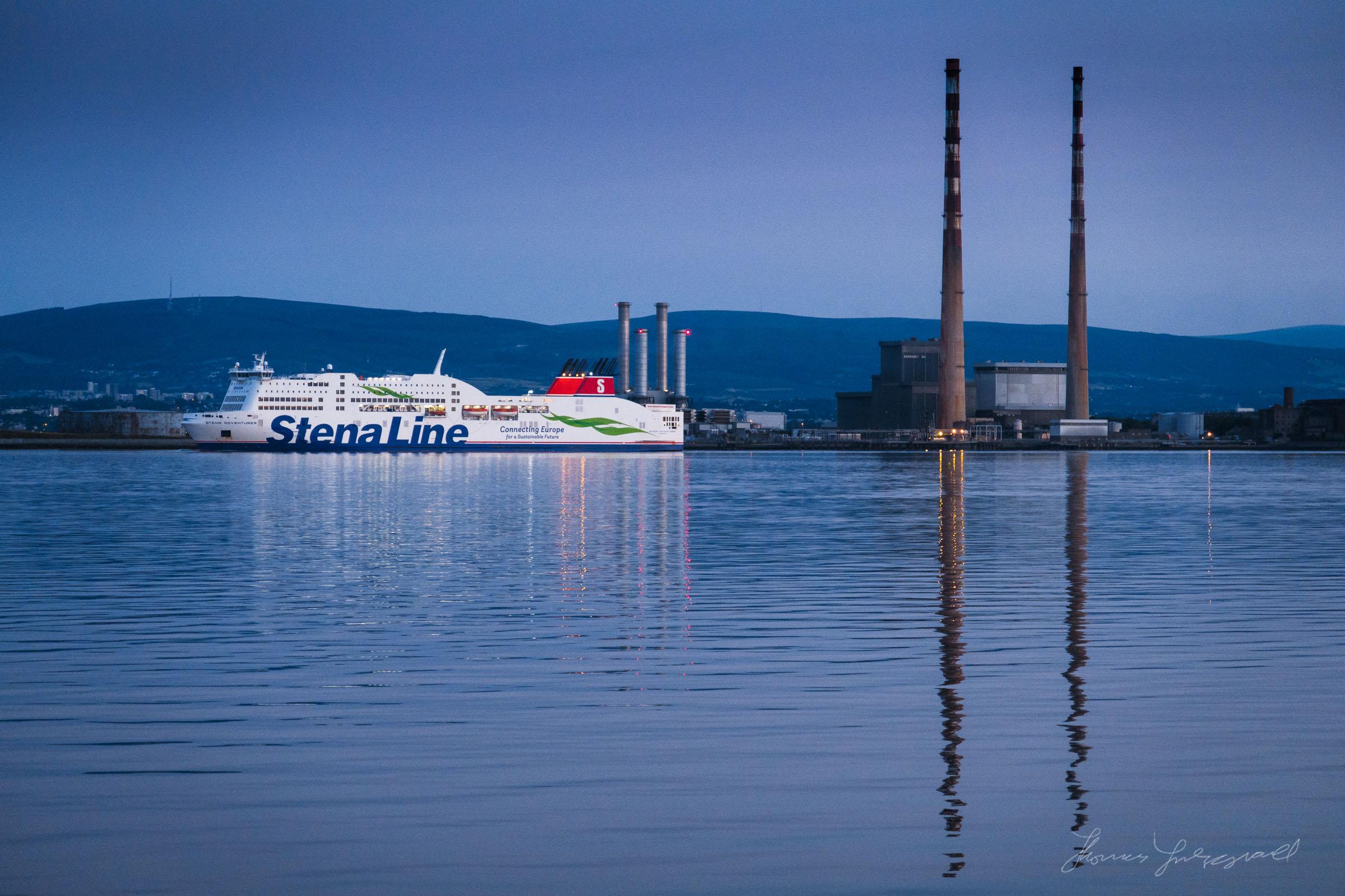 Stena Ferry leavimg Port