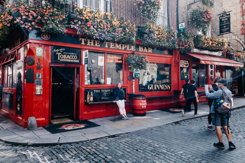 Outside the Temple Bar Pub in Dublin - Street Photograpy on an i