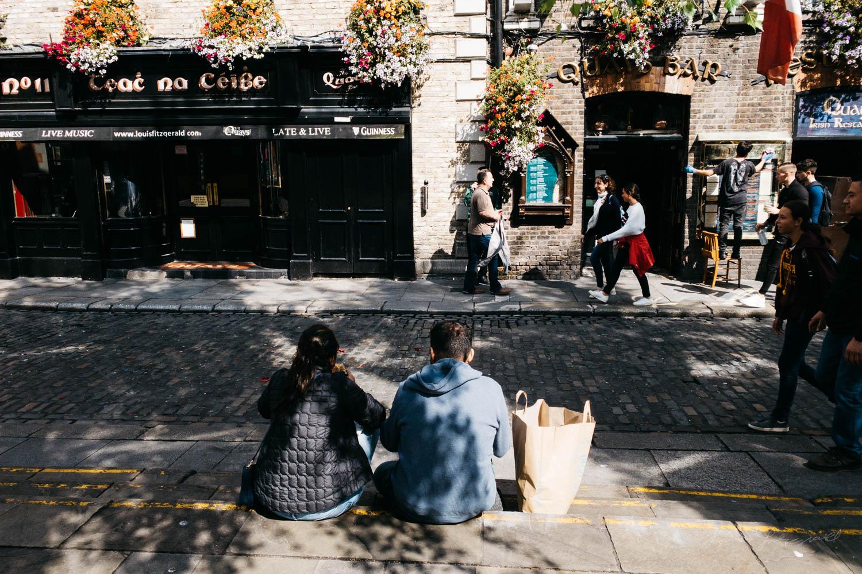Temple Bar - - Street Photograpy on an iPhone XR + VSCO Film