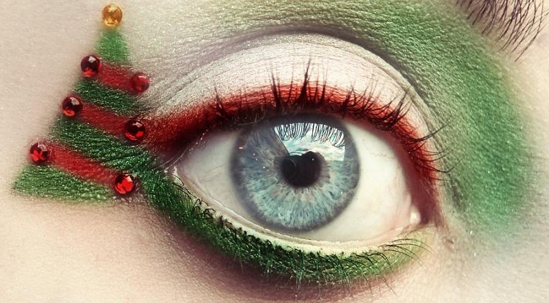 Five amazing Christmas eye inspirations