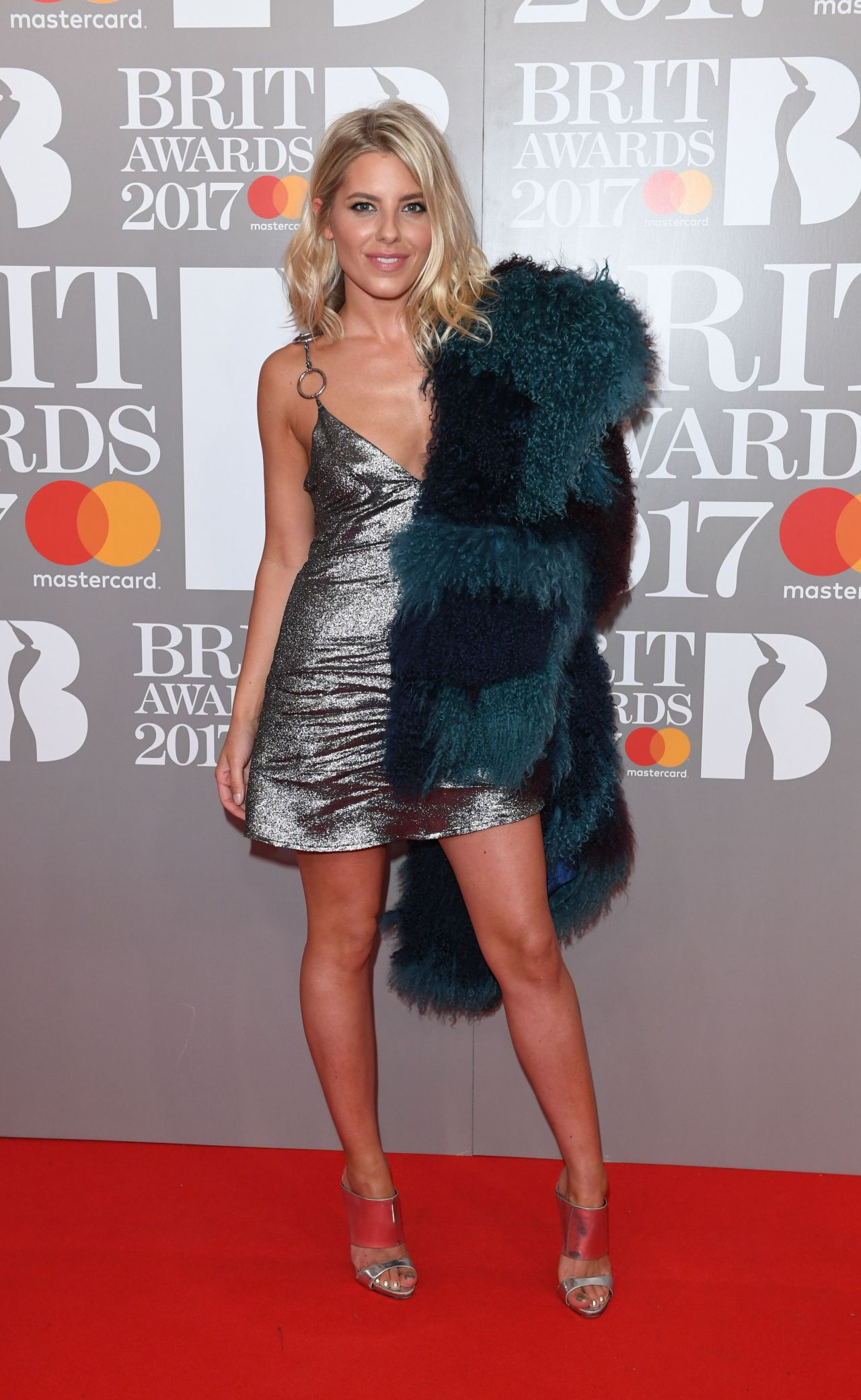 mollie-king-the-brit-awards-at-o2-arena-in-london-2-22-2017-3.jpg