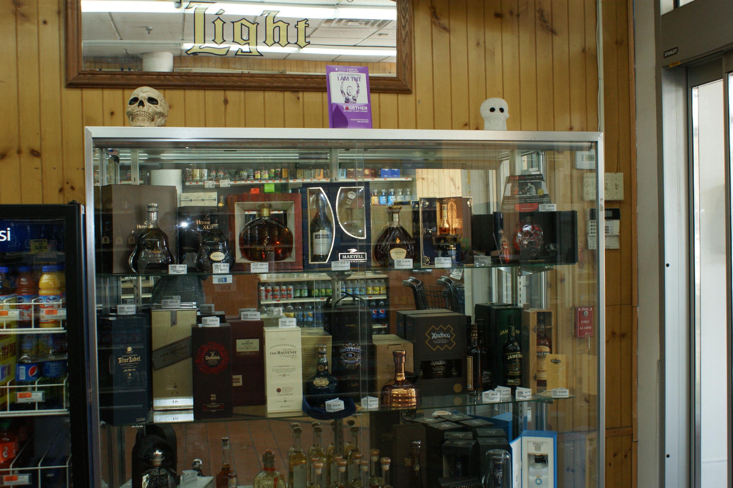 Skulls Wine Case.jpg