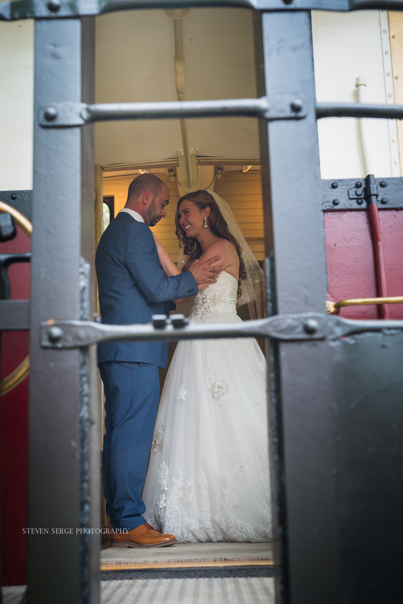 philadelphia-pheonixville-columbia-station-wedding-photographer-serge-steven-8.jpg